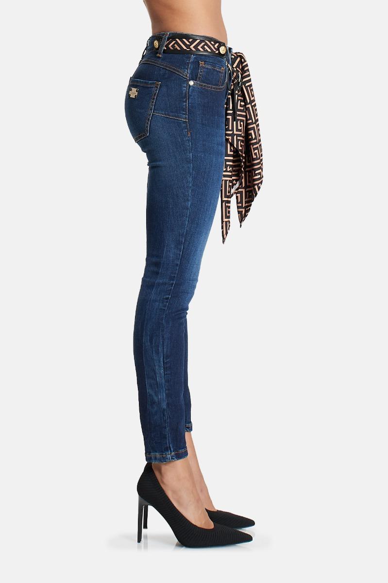 Jeans con foulard