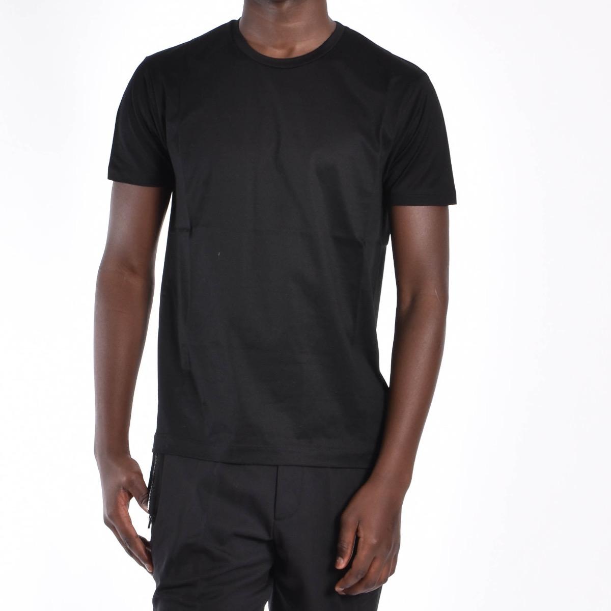T-shirt basica - Nera
